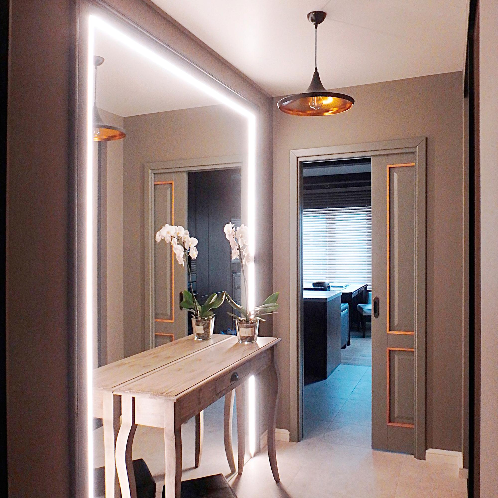 Освещение зеркала в коридоре
